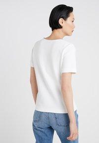 HUGO - DOANA - T-shirts med print - natural - 2