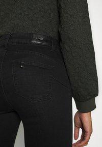 Liu Jo Jeans - BEAT  - Vaqueros bootcut - black - 5