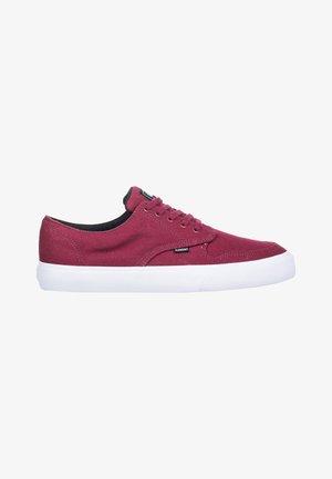 TOPAZ C3 - Sneakers laag - vintage red