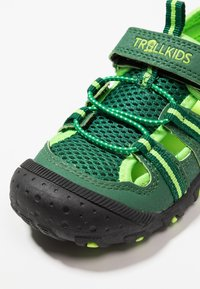 TrollKids - KIDS SANDEFJORD - Sandalias de senderismo - dark green/light green - 2