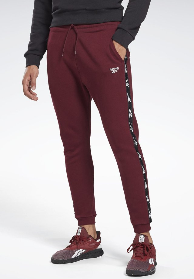 ESSENTIALS TAPE - Pantalones deportivos - burgundy