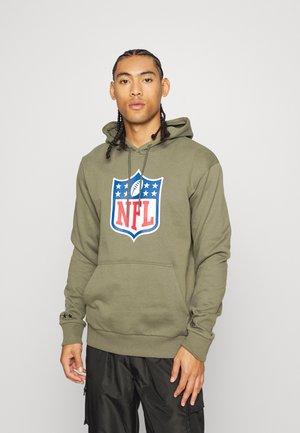 NFL SHIELD CAMO WORDMARK HOODY - Sweatshirt - new olive