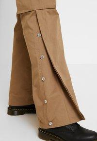 Diesel - CHIKU - Spodnie materiałowe - beige - 5