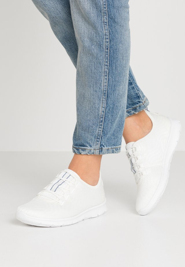 STEP ALLENA GO - Trainers - white