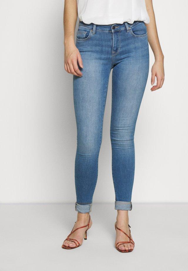 ONLSHAPE LIFE  - Jeansy Skinny Fit - light blue denim