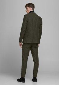 Jack & Jones PREMIUM - Suit trousers - rosin - 2