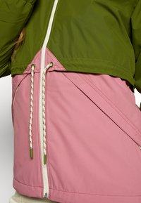 Burton - WOMEN'S NARRAWAY JACKET - Impermeable - pesto green/rosebud - 5