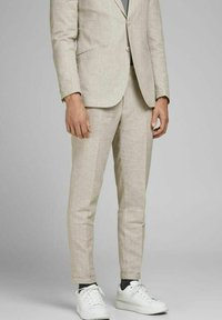 Jack & Jones PREMIUM - JPRRAY SID  - Pantalón de traje - beige - 0