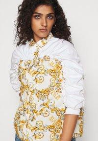 Versace Jeans Couture - Button-down blouse - bianco ottico - 3