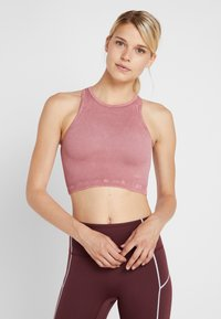 Free People - FP MOVEMENT SEAMLESS ROXY TANK - Top - vintage assam red - 0