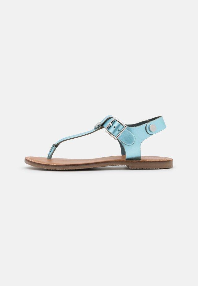 TALLY - Sandály s odděleným palcem - light blue