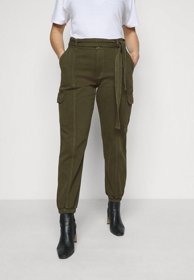 UTILITY TROUSER - Pantalones - khaki