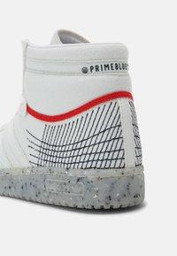 adidas Originals - TEN PRIMEBLUE SHOES MID - Korkeavartiset tennarit - chalk/white/legend ink - 5