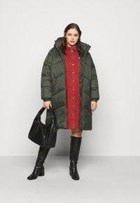 Vero Moda Curve - VMUPSALA LONG JACKET  - Winter coat - peat - 1
