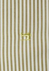 Scotch & Soda - REGULAR FIT STRIPED OXFORD - Shirt - beige - 2