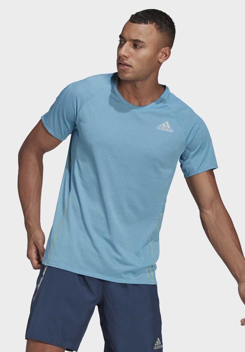 adidas Performance - SUPERNOVA PRIMEGREEN RUNNING SHORT SLEEVE TEE - T-shirt - bas - blue