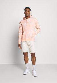 Nike SB - HOODIE UNISEX - Sweatshirt - orange pearl/coconut milk - 1
