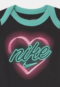 Nike Sportswear - SET - Printtipaita - black - 3