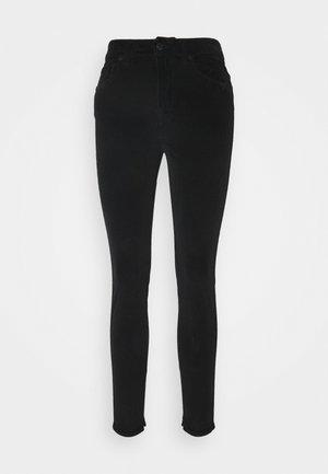 WET - Spodnie materiałowe - schwarz