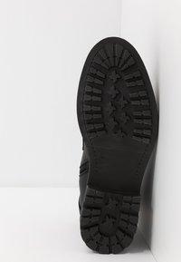 Steve Madden - Šněrovací kotníkové boty - black - 4