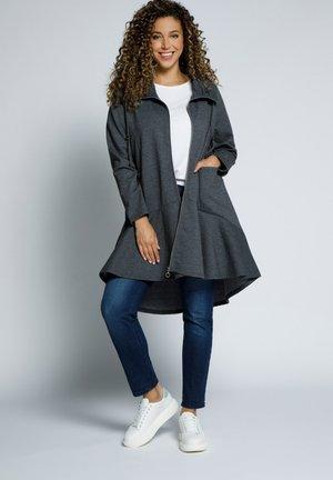 A-LINIE  VOLANTSAUM - Zip-up sweatshirt - schwarz