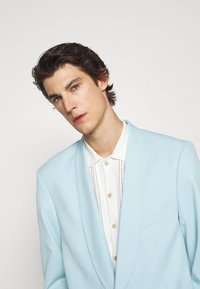 Martin Asbjørn - CALEB TUXEDO - Blazer jacket - sky blue - 4