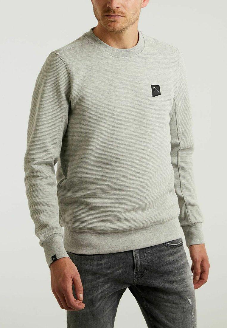 CHASIN' - Sweatshirt - l.grey