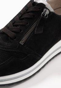 Gabor Comfort - Trainers - schwarz/grey - 6