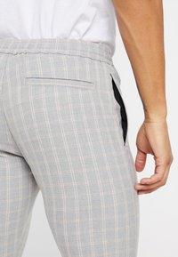 Topman - CHECK WHYATT - Bukse - grey - 3