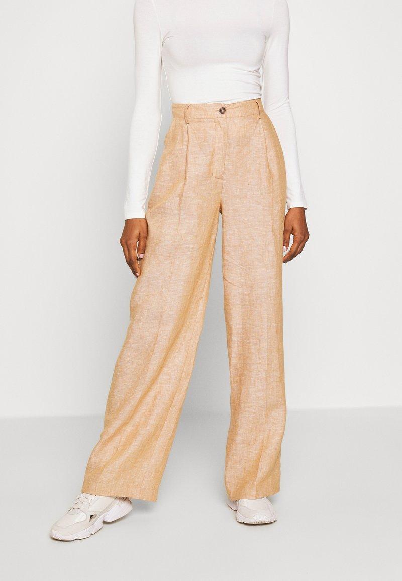 Pepe Jeans - DALI - Pantalones - tan