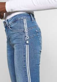 Liu Jo Jeans - IDEAL - Jeans slim fit - blue clear wash - 4