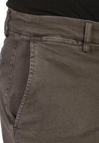 Replay - ZEUMAR HYPERFLEX  - Slim fit jeans - brown - 3