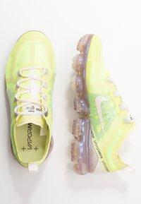 Nike Sportswear - AIR VAPORMAX 2019 SE - Trainers - luminous green/phantom/metallic sepia stone - 3
