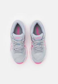ASICS - GT-1000 10 UNISEX - Zapatillas de running estables - piedmont grey/pure silver - 3