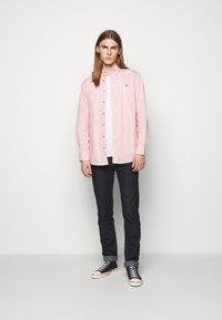 Vivienne Westwood - KRALL UNISEX - Shirt - red stripe - 1