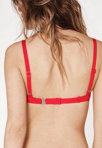 Calzedonia - PATRIZIA INDONESIA - Bikini top - hawaiian red - 2
