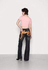 Jaded London - SCREEN LOW RISE - Jeans a zampa - multi - 2