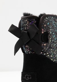 UGG - CLASSIC MINI BOW COSMOS - Classic ankle boots - black - 2