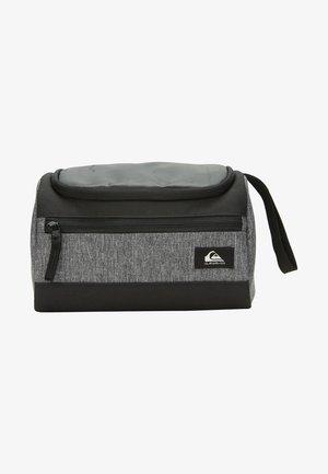 CAPSULE 6L  - Wash bag - true black