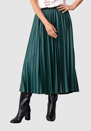 Pleated skirt - tannengrün