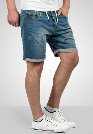 Denim shorts - hellblau