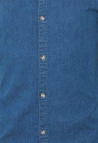 Only & Sons - ONSTROY LIFE CHAMBRAY STRETCH  - Overhemd - medium blue denim - 5