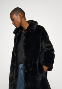 King Louie - BETTY COAT PHILLY - Classic coat - black