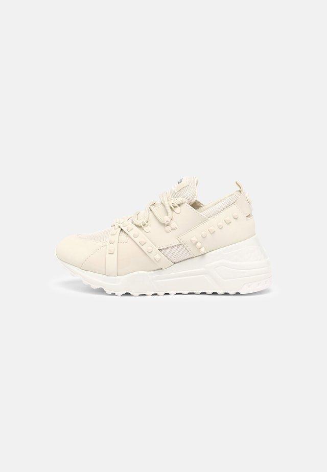 CURB - Sneakers laag - bone