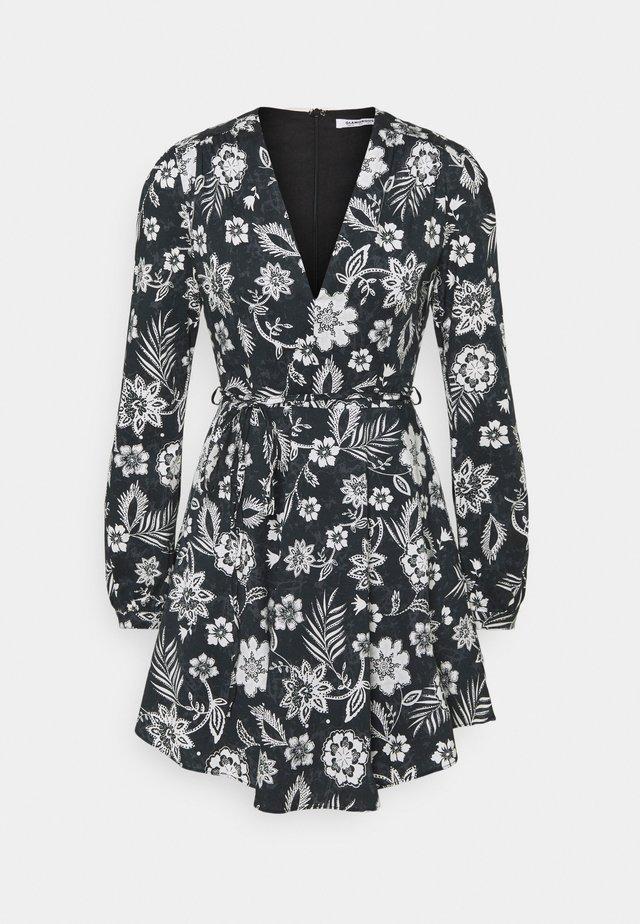 LONG SLEEVE DRESS WITH V NECK - Korte jurk - black white floral