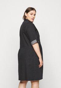 ONLY Carmakoma - CARCHICAGO LIFE  - Denim dress - black - 2