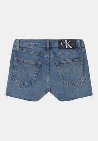 Calvin Klein Jeans - RELAXED  - Denim shorts - blue - 1
