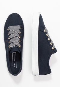 Tommy Hilfiger - ESSENTIAL NAUTICAL  - Trainers - desert sky - 3