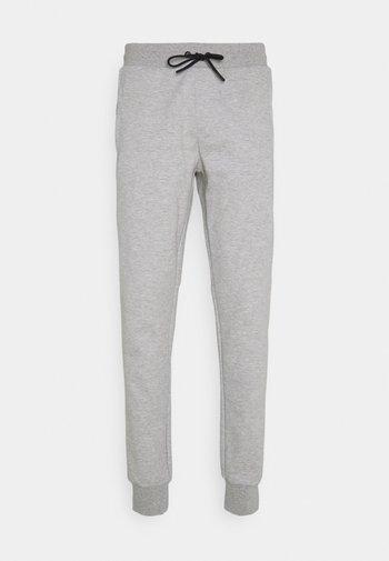 MODERN ESSENTIALS PANTS - Verryttelyhousut - medium grey heather