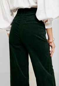 Pepe Jeans - MAYA - Trousers - forest green - 4
